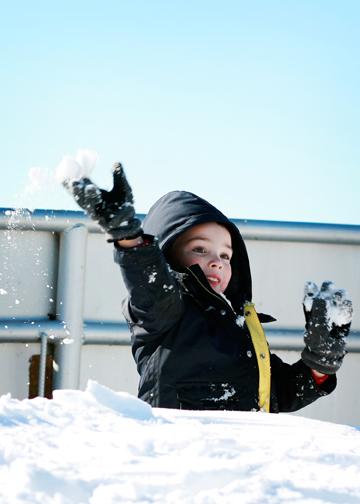 Snowball_fight2