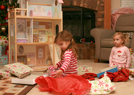 The_girls_and_the_dollhouse